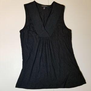 Banana Republic Black V-neck Sleeveless Shirt XS